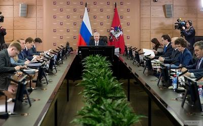 Собянин перенес срок введения новых правил размещения вывесок за пределами ТТК на год