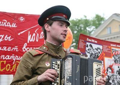 Курян приглашают 9 мая спеть на Красной площади «Катюшу»
