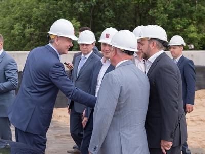 По словам Собянина, реконструкция Волоколамского путепровода завершится к концу года