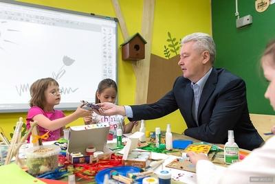 Собянин пригласил юных москвичей в новую экологическую школу в Кусково