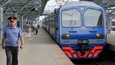 Женщина, которую зажало между платформой и вагоном электрички, доставлена в больницу