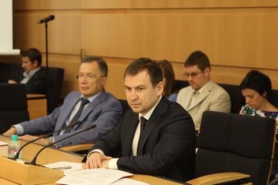 Эффективность расходования бюджетных средств обсудили на заседании комиссии по финансовому контролю