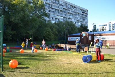 На Яблочный спас в парке «Садовники» Москомспортом был организован спортивный праздник. Фоторепортаж