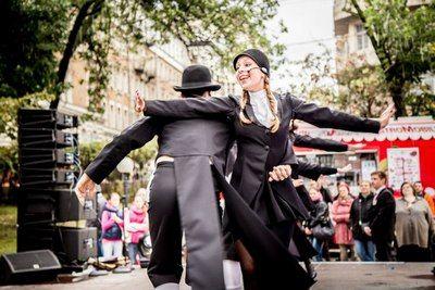 В День города столичные театры на праздничных площадках показали для горожан лучшие постановки