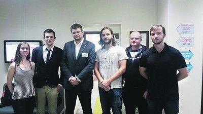 Члены Молодежной палаты ЮАО познакомились с работой центров госуслуг