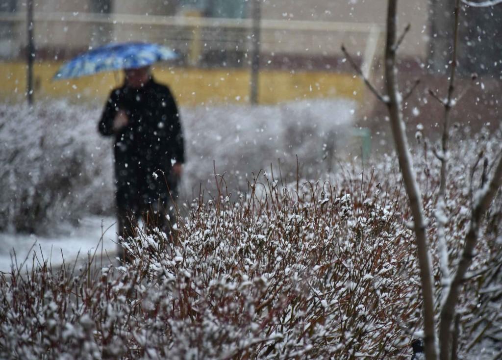 Гидрометцентр: снегопад может продлиться весь четверг