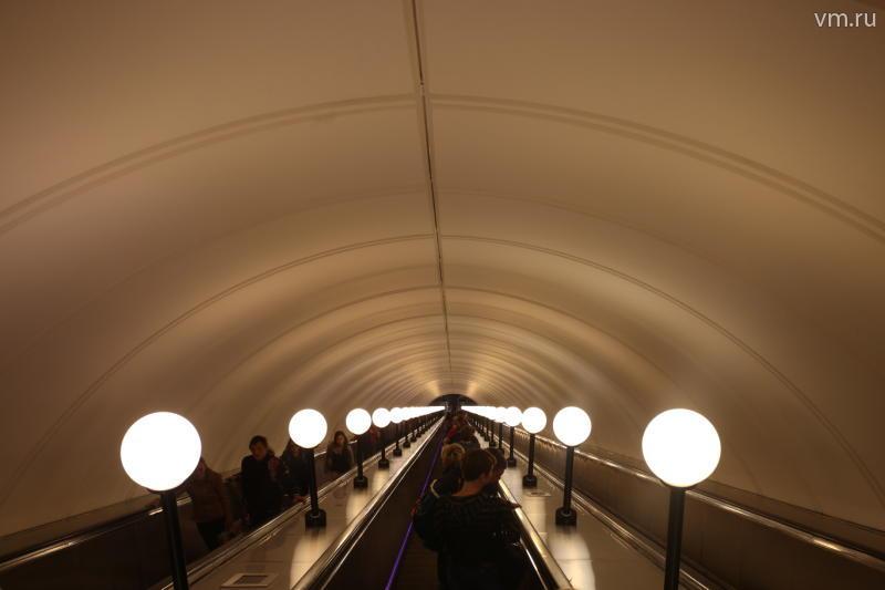 Эскалатор на «Пражской» закрылся на ремонт