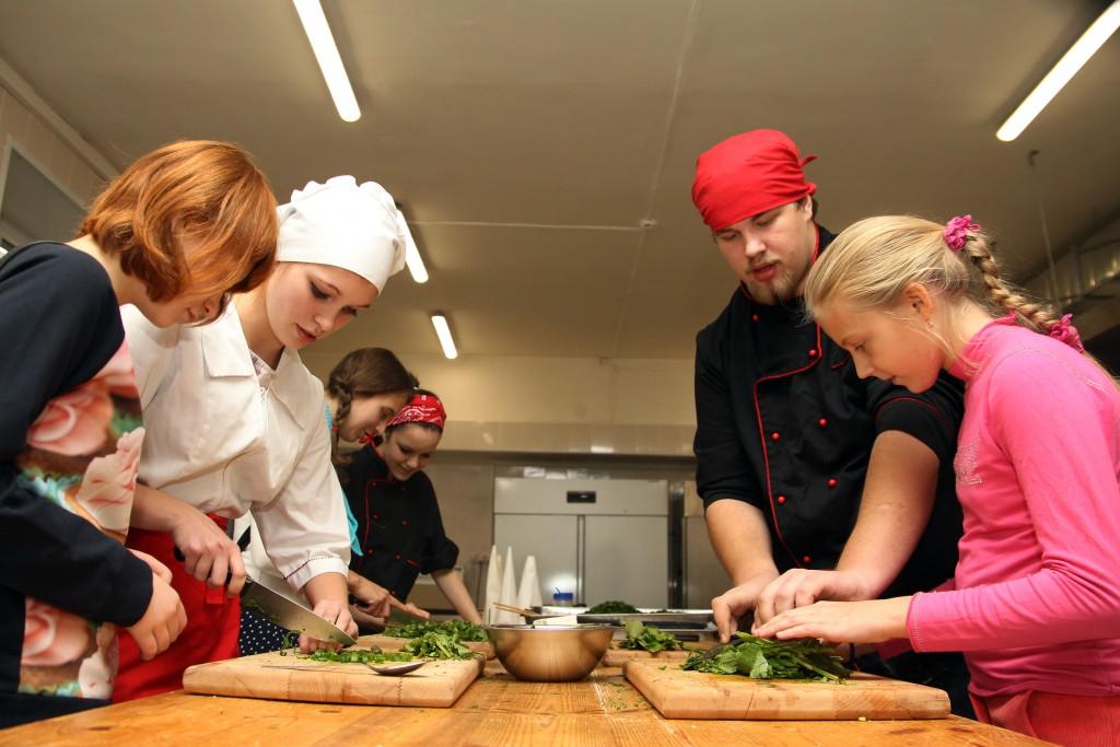 Студенты колледжа декоративно-прикладного искусства провели кулинарный конкурс