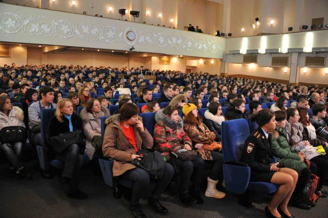 Старшеклассники ЮАО побывали на Дне открытых дверей в Московском университете МВД России имени Кикотя