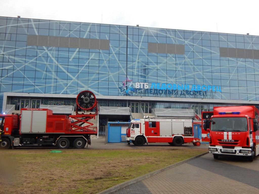 В Ледовом дворце прошли пожарные учения
