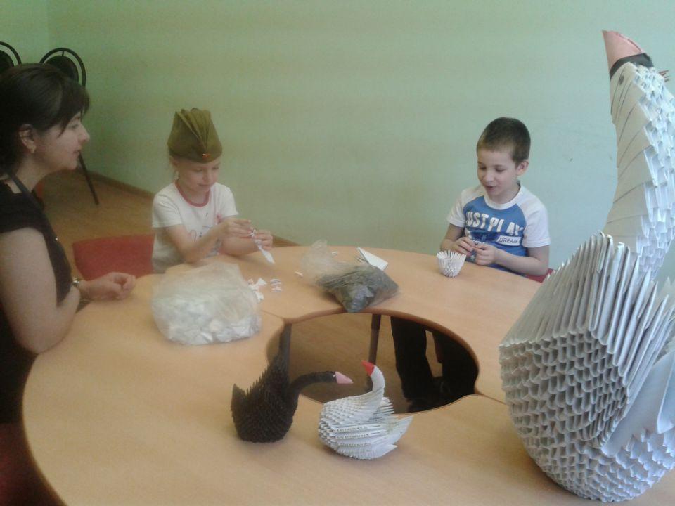 В социальном центре района Бирюлево Восточное прошли занятия по созданию оригами