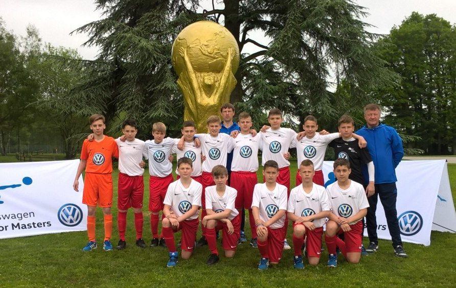 Футболисты из клуба