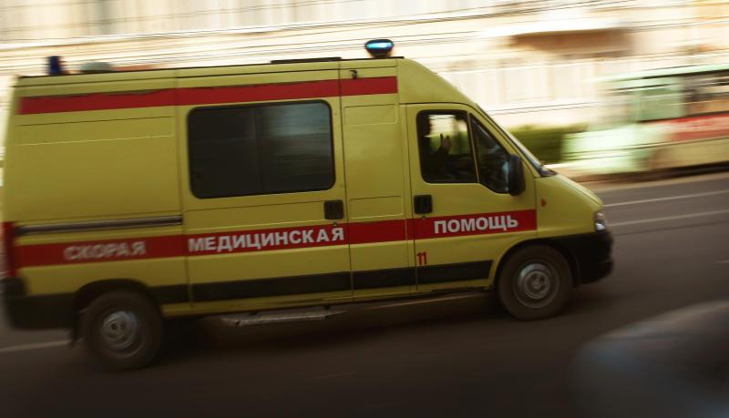 Пожилая женщина, попавшая под трамвай на юго-востоке Москвы, госпитализирована