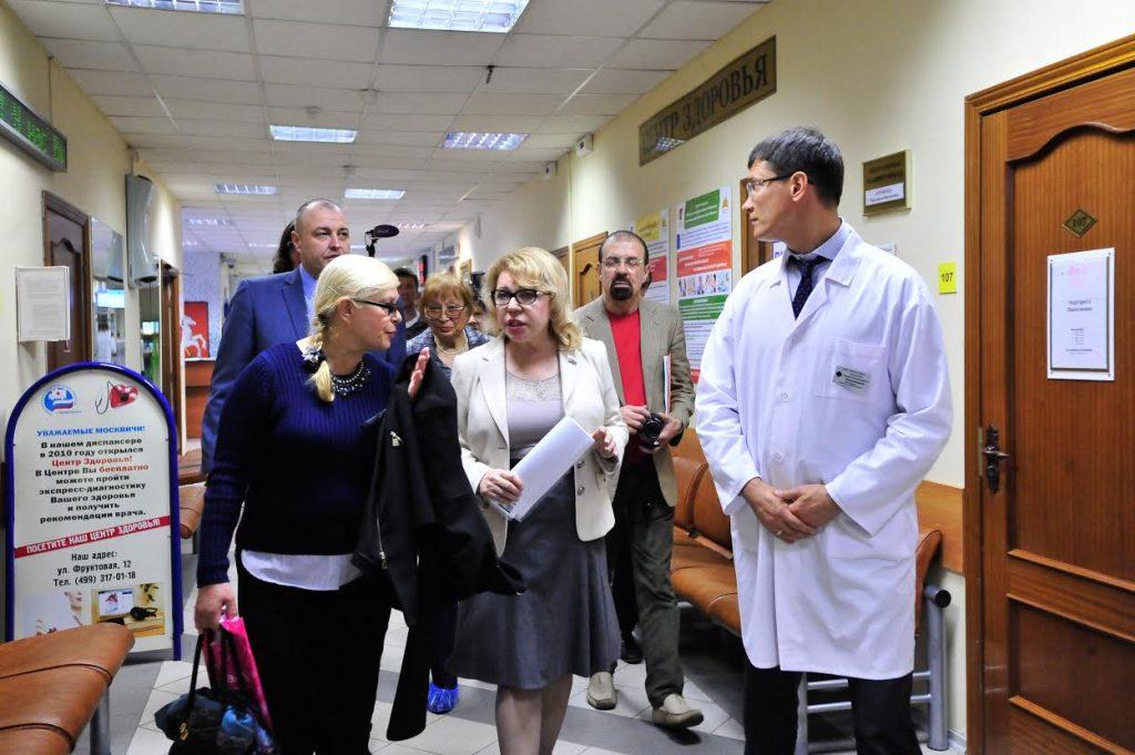 Елена Панина проверила работу поликлиники