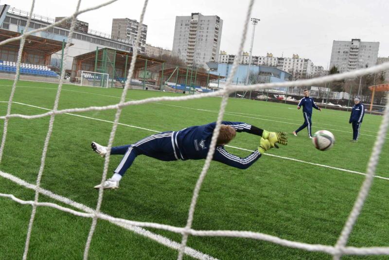 Артисты сыграли в футбол на стадионе имени Стрельцова