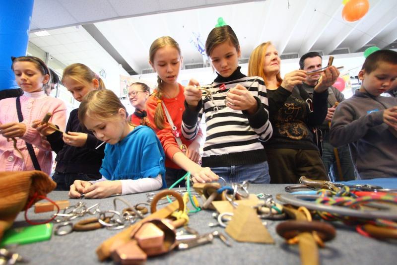 Дети из Южного округа смастерили сердце Железному человеку