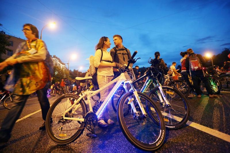 К московскому велопараду присоединились 10 тысяч человек