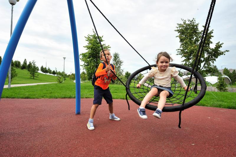 Детские игровые площадки отремонтировали в Бирюлево Западном