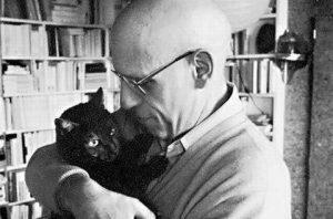 Философ Мишель Фуко и его кот Безумие. Фото: pinterest.com