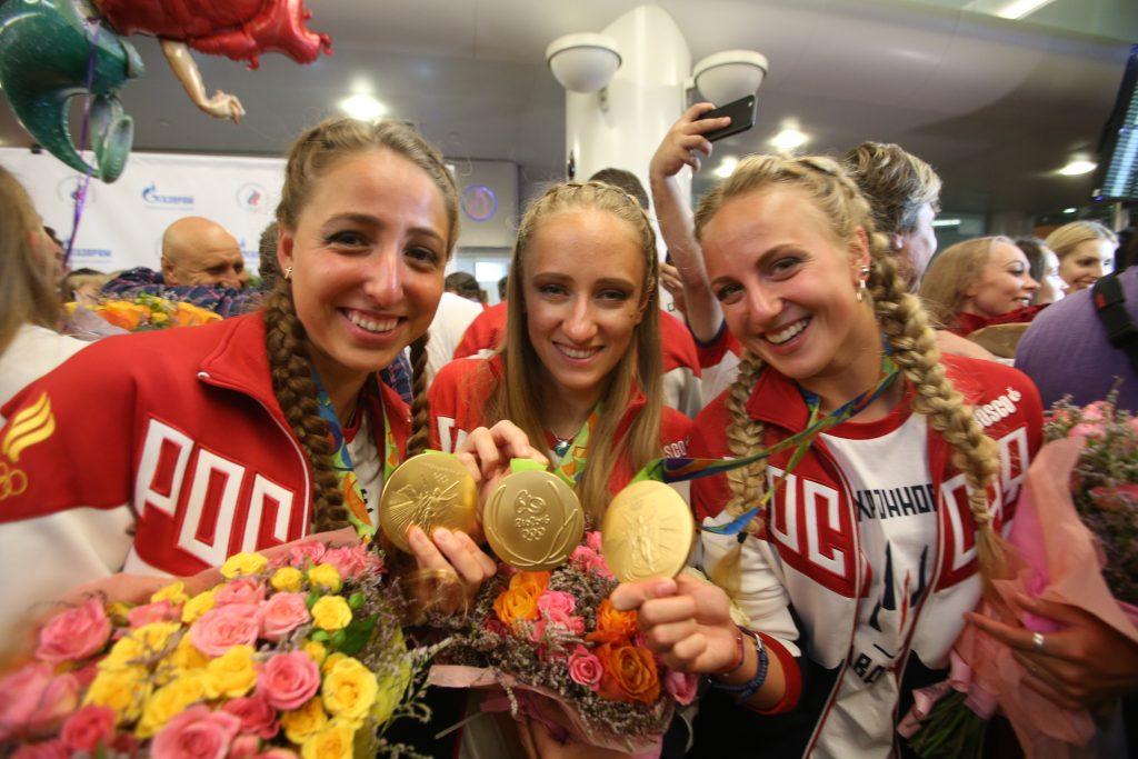 Второй «золотой рейс» с российскими олимпийцами совершил посадку в Москве