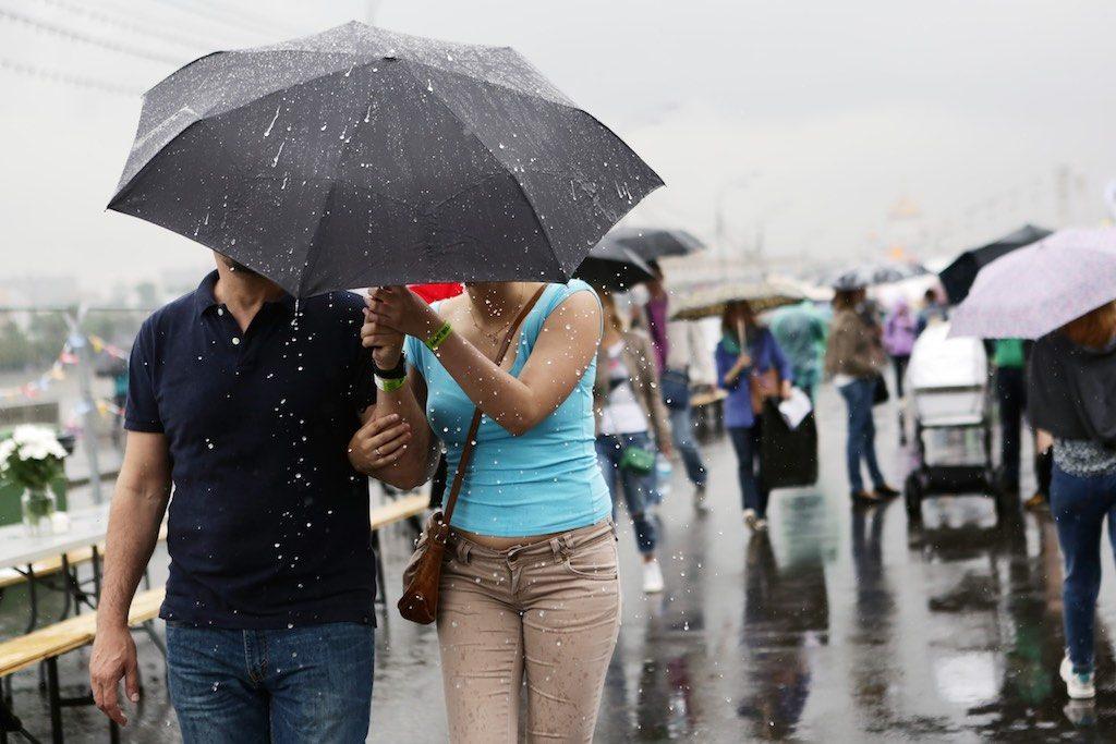 В Москве оранжевый уровень опасности погоды продлен на 2 августа