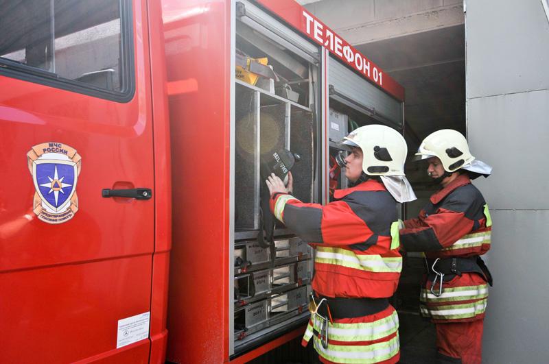 Четыреста человек эвакуировали перед тушением пожара в Морозовской больнице
