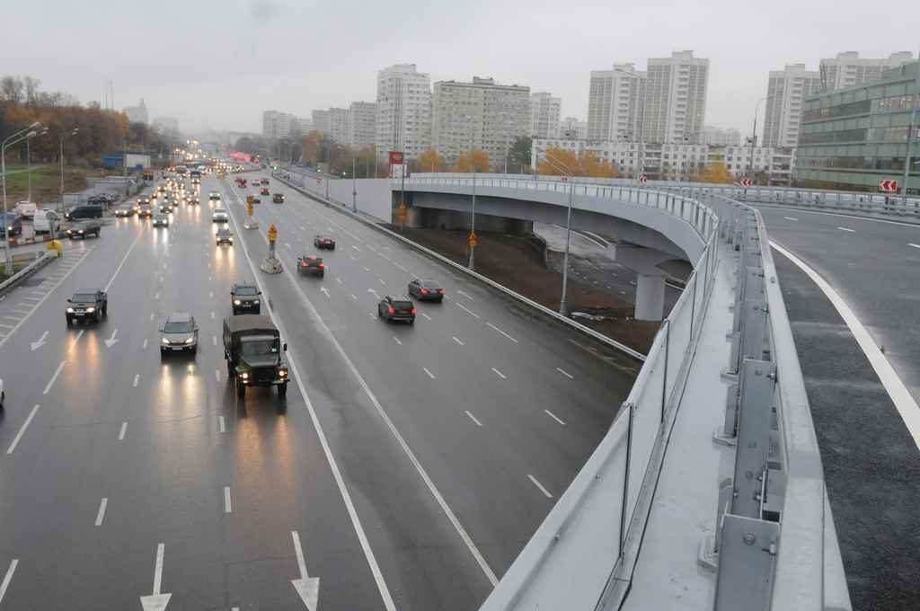 Горожане уверены: модернизация Московского НПЗ и переход на топливо «Евро-5» способствуют улучшению экологии