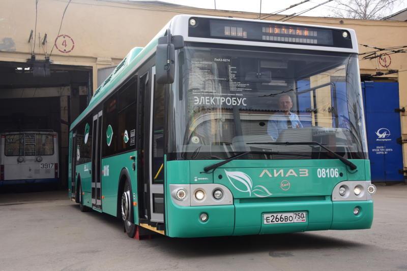 На улице Речников оборудуют новые остановки общественного транспорта