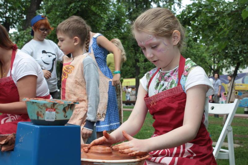 Народные костюмы и орудия труда крестьян покажут на выставке в «Коломенском»