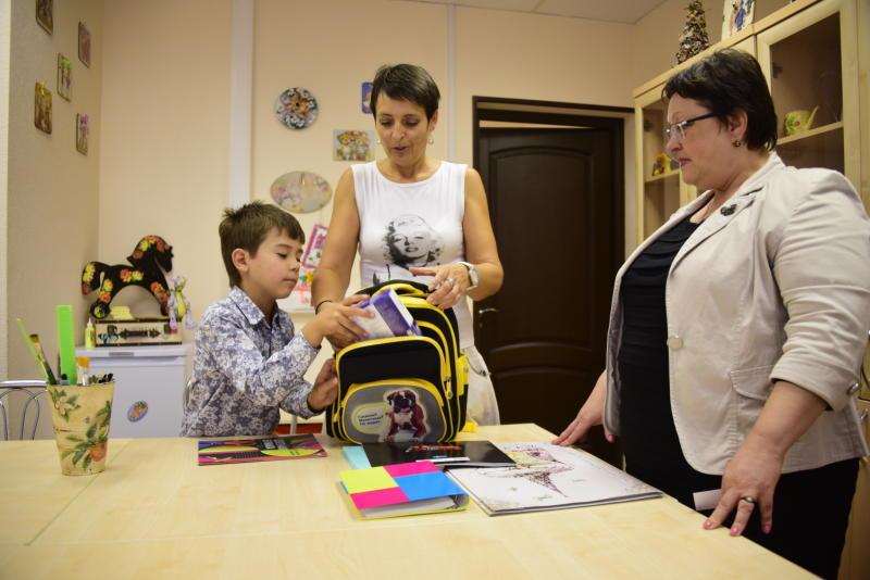 Жители Нагатино-Садовников помогут малоимущим семьям собрать детей в школу
