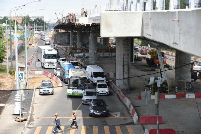 На перекрестке Липецкой улицы уберут светофор после запуска эстакады