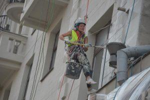 """В здании довоенной постройки на Ленинском проспекте восстановят балконы. Фото: """"Вечерняя Москва"""""""