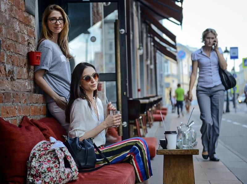 Площадь одного из летних кафе на Варшавском шоссе увеличат