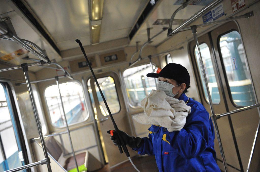 Поезда Московского метро начнут обрабатывать ультрафиолетом против гриппа