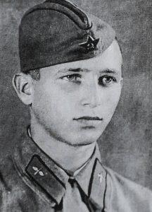 1942 год. Давид Миронович в молодости