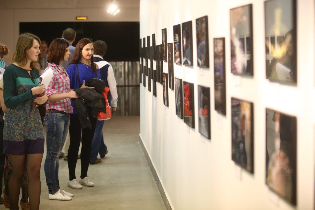 Выставку фотографий военной Москвы открыли в