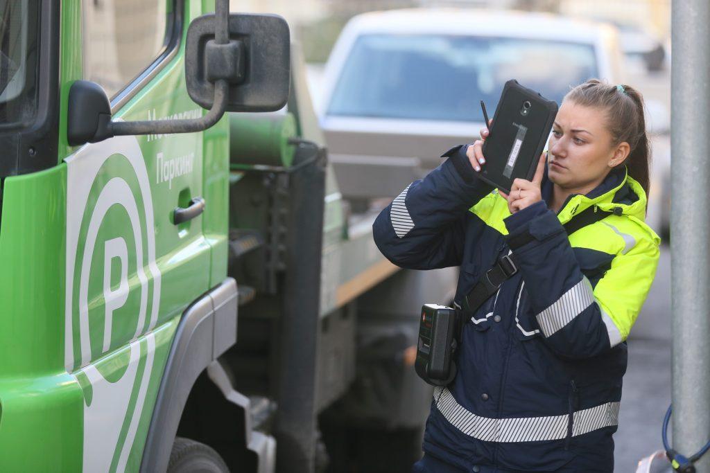За улицами Москвы каждый день следят 60 патрулей дорожной инспекции