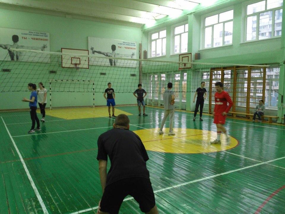 Турнир по волейболу провели активисты