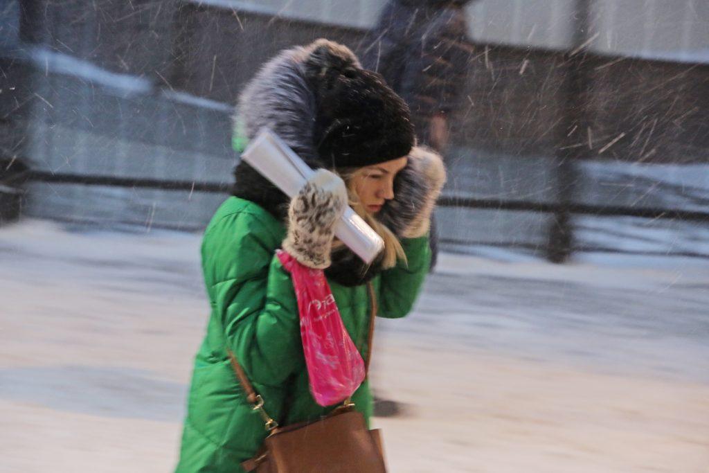 В пятницу Москву ждет сильный ветер и слабый снег