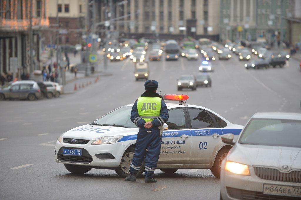 Движение транспорта в центре Москвы ограничили до 7 ноября из-за праздников