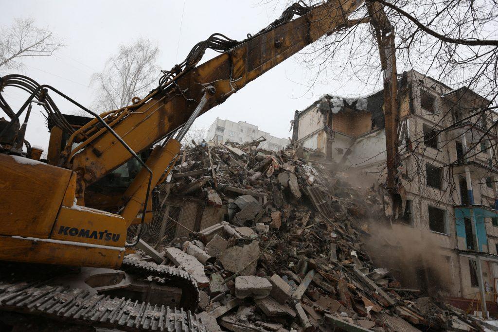 Заброшенное здание автосервиса на Ореховом бульваре снесут