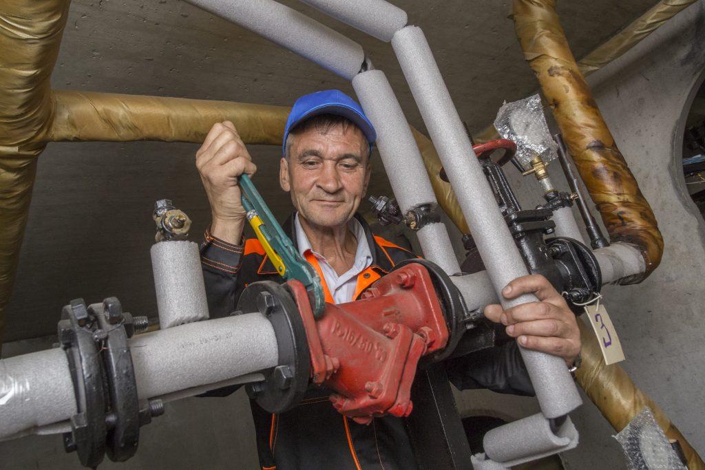 В жилых домах Нагорного района обновят системы отопления и водоснабжения