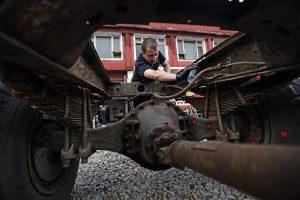 Арт-хеппенинг «Я изобразил ЗИЛ». Уличные художники превратили пять грузовых автомобилей ЗИЛ-130 в объекты современного искусства