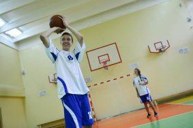 Дата: 29.09.2016, Время: 12:36  Школьники-спортсмены победители тренируются в своей школе 1450