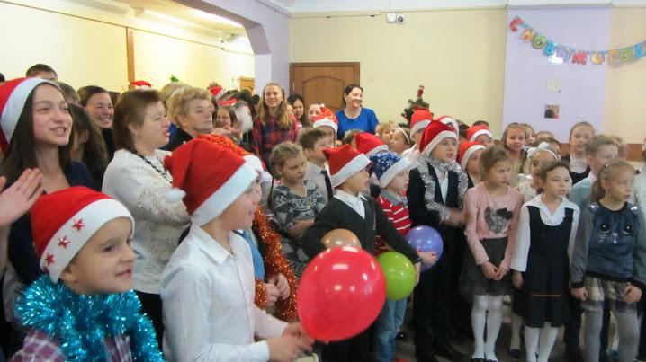 Фестиваль Рождественской песни на иностранном языке провели в школе №1034