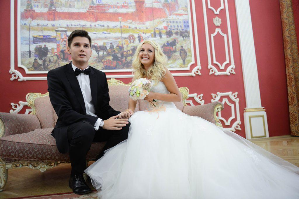 Более 250 московских пар поженятся в День святого Валентина