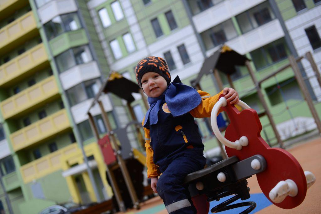 Детская площадка переезжает