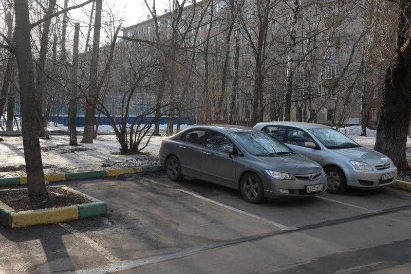 Москвичи получили резидентные разрешения на новых платных автостоянках