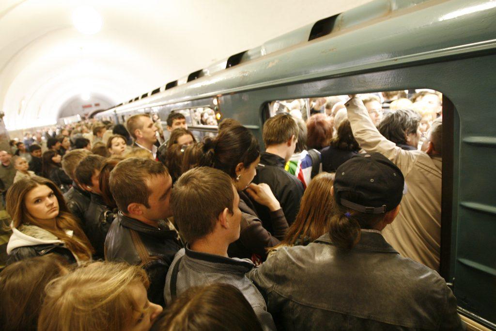 Метро Москвы не намерены закрывать в час пик и на ремонт