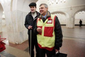 """Маломобильным гражданам помогут добраться до рождественской службы. Фото: архив, """"Вечерняя Москва"""""""